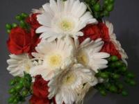 Gerbera_and_rose_bouquet_fresh