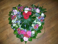 funeral-tribute-mixed-flowers