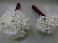 burgendy_wrapped_cream_posies